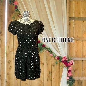 💕2for25 💕 v-neck short sleeve polkadot dress
